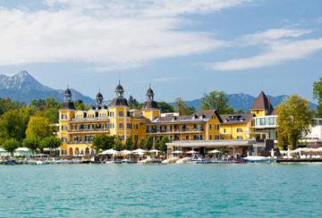 Na zámku u alpského jezera